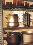 Strakke Industriële keukenkast Kookrek Wijnrek
