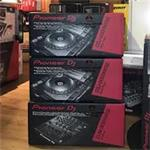 DJ-apparatuur, Digitale en Analoge Mixers,Toetsen