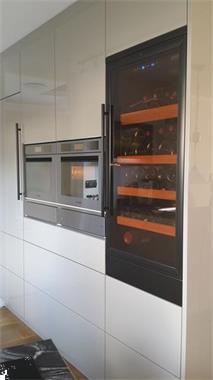 Grote foto wijnklimaatkast 2 temp. zones 40 200 flessen witgoed en apparatuur koelkasten en ijskasten