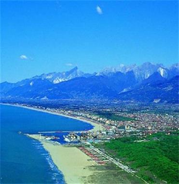 Grote foto greenchalets in toscane aan zee viareggio itali vakantie italie