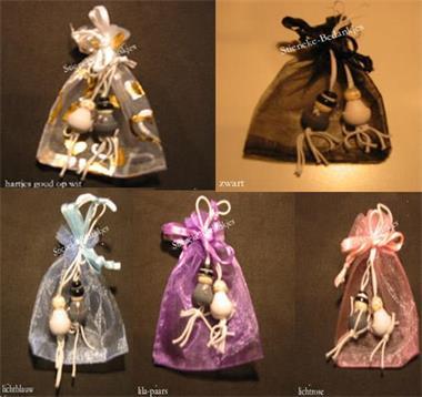 Grote foto 100 organza zakjes 100 bruidspaar poppetjes kleding dames trouwkleding