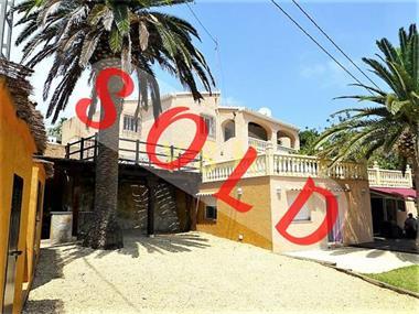 Grote foto a nice villa in a quiet area. huizen en kamers vrijstaand
