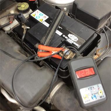 Grote foto autoaccu startklaar en gratis verzending elk merk auto onderdelen accu en toebehoren
