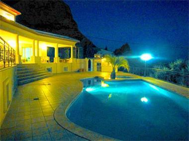 Grote foto luxury villa quiet area. with 245.000 reduced huizen en kamers vrijstaand