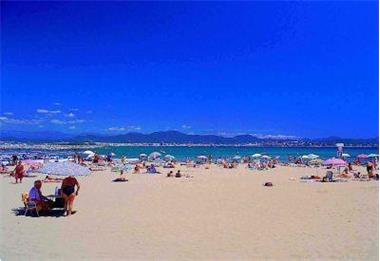 Grote foto te huur stacaravan aan de middellandse zee vakantie frankrijk