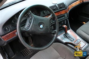 Grote foto bmw e39 525tds sedan sloperij bily in enter auto onderdelen dashboard en schakelaars