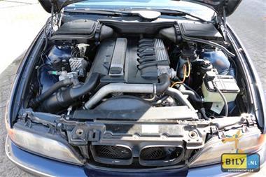 Grote foto sloperij bily in enter bmw e39 525tds demontage auto onderdelen remdelen