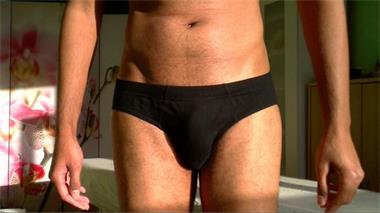 Grote foto zwarte masseur geeft exotische massages. erotiek erotische massages