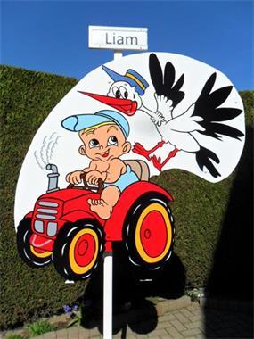 Grote foto geboortebord baby op tractor met ooievaar kinderen en baby kraamcadeaus en geboorteborden