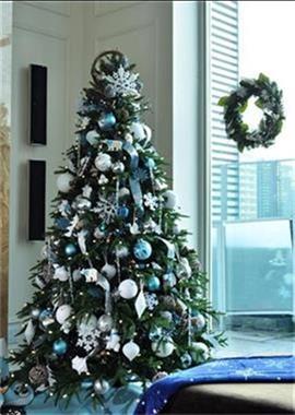 Grote foto kerstbomen m t luxe versiering bij u geleverd diversen versiering