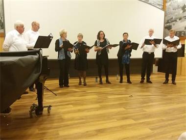 Grote foto gezocht tenor voor dubbelkwartet muziek en instrumenten zangers en zangeressen