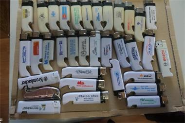 Grote foto aanstekers verzamelen rookartikelen en luciferdoosjes