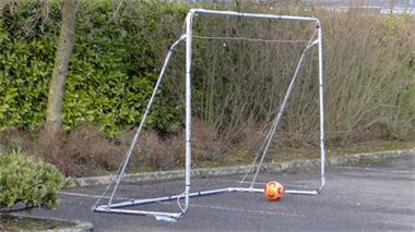 Grote foto voetbaldoel 300 prijsknaller gratis bal sport en fitness voetbal