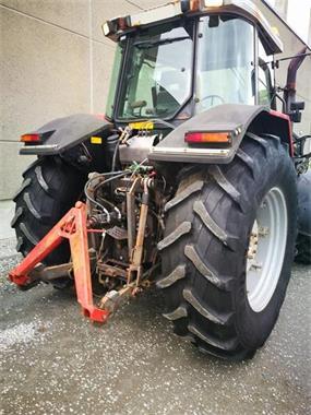 Grote foto tractor massey ferguson 8120 met voorlader agrarisch tractoren