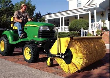 Grote foto veegmachine voor tuintrekkers tuin en terras grasmaaiers