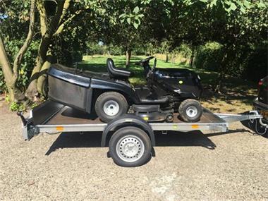 Grote foto aanhangwagen voor transport van zitmaaiers gratis bezorgen tuin en terras grasmaaiers