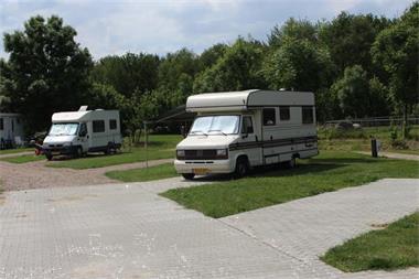 Grote foto kamperen op onze mooie camping. vakantie campings