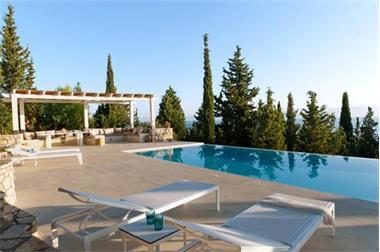 Grote foto celebrate spring in authentic greek villas vakantie europa west