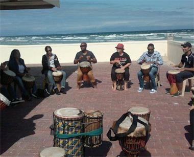 Grote foto afrikaanse muziekworkshops diensten en vakmensen muziekles en zangles