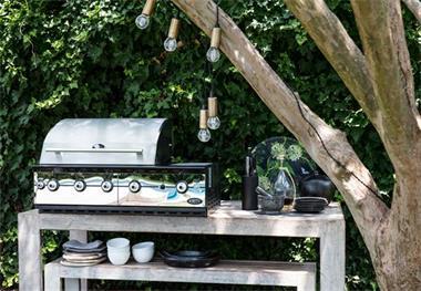 Grote foto black bastard grill guru green egg boretti tuin en terras barbecues en vuurkorven