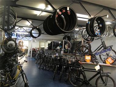 Grote foto herenfietsen 2dehands 3 verdiepingen in nijmegen fietsen en brommers herenfietsen