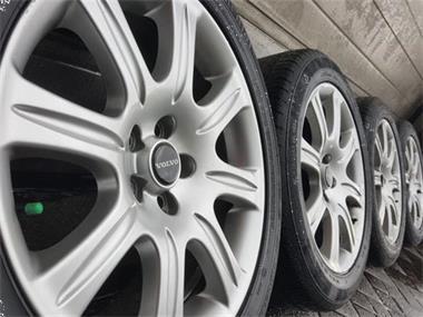 Grote foto orig. 18 inch volvo xc70 v90 s90 velgen 7mm banden auto onderdelen banden en velgen