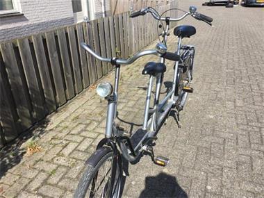 Grote foto ouder kind tandem fiets duofiets fietsen en brommers bakfietsen