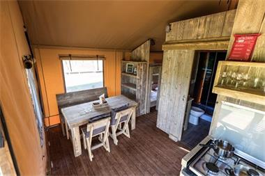 Grote foto glamping safaritent met badkamer in duitsland vakantie duitsland west