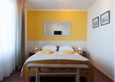 Grote foto kamer waterbed stoomdouche toilet de koog vakantie nederland noord