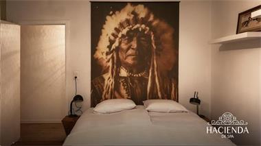Grote foto stijlvolle loft met haard en enorm dakterras in spa. vakantie belgi