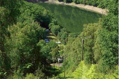 Grote foto kleine camping aan een groot meer zuid frankrijk vakantie frankrijk