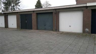 Grote foto te huur garagebox garage stalling apeldoorn bedrijfspanden garageboxen te huur