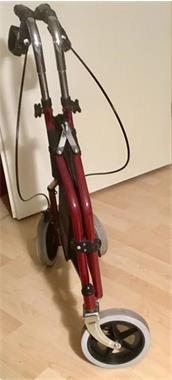 Grote foto vouwbare rolater diversen verpleegmiddelen en hulpmiddelen