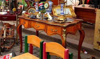 Grote foto grote antiek en rommelmarkt 5km omloop diversen rommelmarktspullen