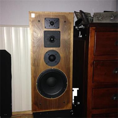 Grote foto speaker testadvertentie audio tv en foto luidsprekers