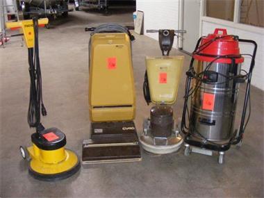 Grote foto schoonmaak magazijn verkoop opheffing diensten en vakmensen klussers en klusbedrijven