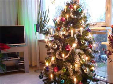 Grote foto kunstkerstboom met toebehoren diversen kerst