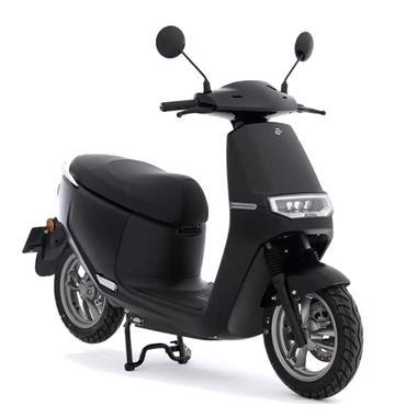 Grote foto ecooter e2 s50 scooter kopen bij central scooters mat zwart fietsen en brommers scooters