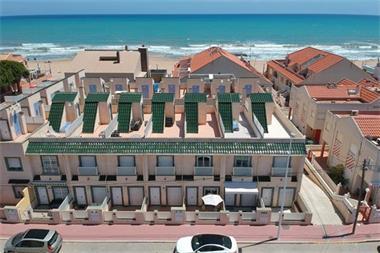 Grote foto townhouse slechts 30 meter van strand la mata huizen en kamers bestaand europa