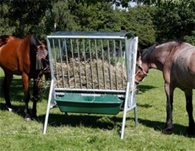 Grote foto paarden hooiruif voerruif weideruif met dak dieren en toebehoren paarden accessoires