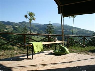 luxe safaritenten itali op kleine campings campings. Black Bedroom Furniture Sets. Home Design Ideas