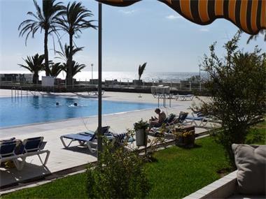 Grote foto deze zomer nog vrij tenerife zon zee zwembad vakantie spanje