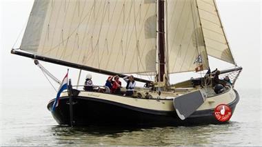 Grote foto sailcharter friesland leeuwarden lemsteraakverhuur watersport en boten boten verhuur en vakanties