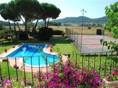 Grote foto villa frasco met groot prive zwembad en tennisbaan vakantie spanje