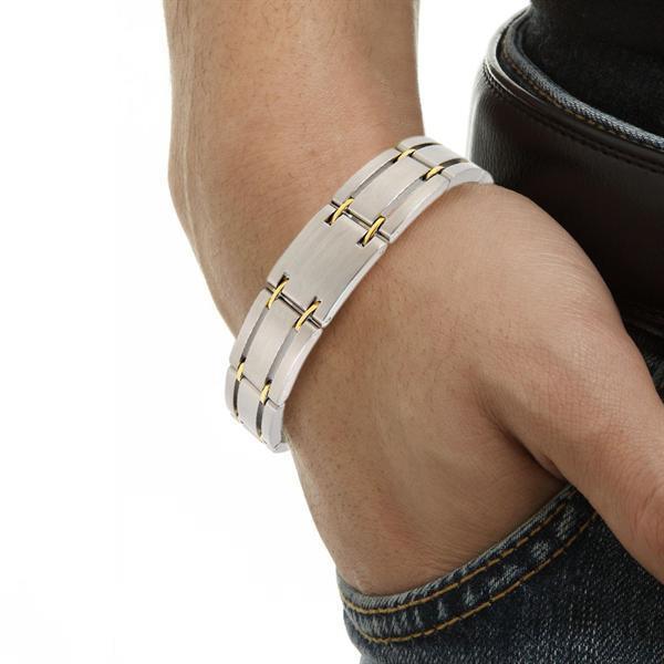 Grote foto magneet therapie met armbanden pijnbestrijding diensten en vakmensen alternatieve geneeskunde en spiritualiteit
