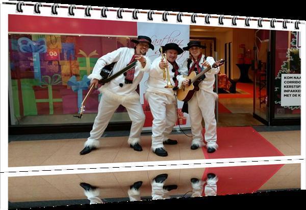 Grote foto ambulant muzikaal duo muziek en instrumenten boekingen