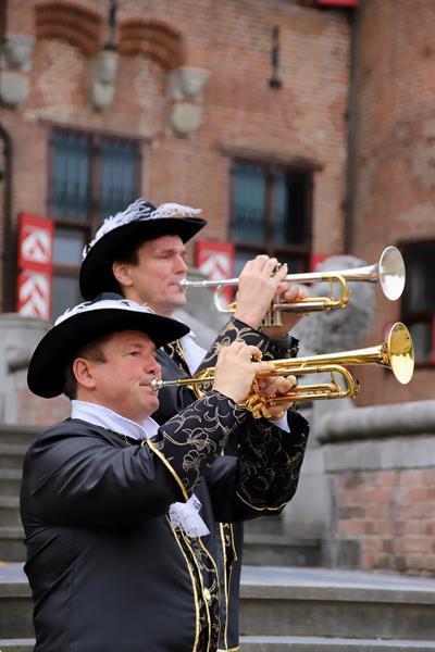 Grote foto het nederlands herauten trompet duo muziek en instrumenten boekingen