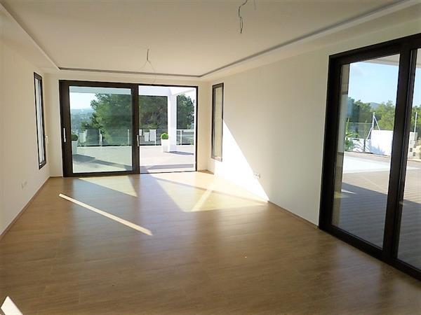 Grote foto a beautiful villa with splendid views. huizen en kamers vrijstaand