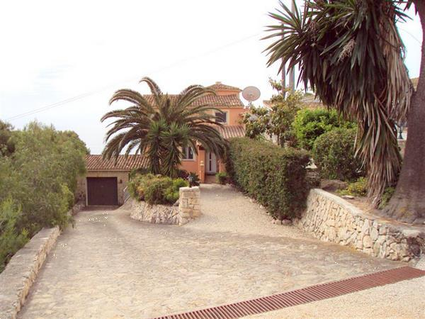 Grote foto a large spanish villa with entrance to the beach. huizen en kamers vrijstaand
