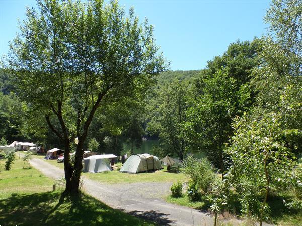Grote foto zet je vouwwagen aan groot meer zuiden frankrijk caravans en kamperen vouwwagens
